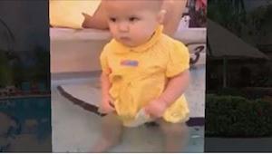 Półroczna dziewczynka wpadła do wody, a jej mama na to nie zareagowała! Uwierzci