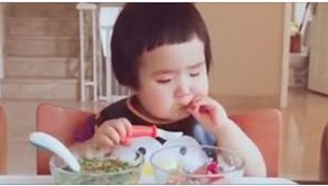Nigdy nie widziałam dziecka z TAKIM apetytem! Musicie to zobaczyć!