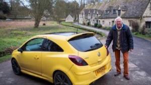 Przez ten szczegół mieszkańcy wsi zarysowali samochód 84-latka. Jego zemsta spra