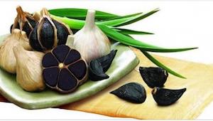 Słyszeliście już o czarnym czosnku? Jego właściwości są niesamowite!