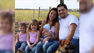 Chcieli mieć ładne zdjęcie w rodzinnym albumie. Nie sądzili, że ta sesja obiegni