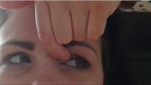 Lekarz zalecił jej codziennie robić kilka prostych ćwiczeń na oczy. To działa!