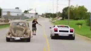 Kiedy kierowca VW Beetle wyzwał na pojedynek mężczyznę z Lamborghini nikt nie sp