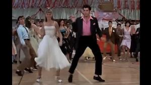 Człowiek, który zmontował te popularne sceny tańca z kultowych filmów w jeden kl