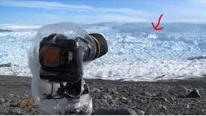 Ustawił kamerę na lodzie. Chwilę później nagrał coś niewyobrażalnego!