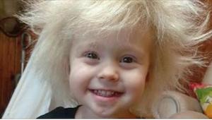 Jej mama wydała małą fortunę próbując doprowadzić do ładu jej włosy. Kiedy w koń