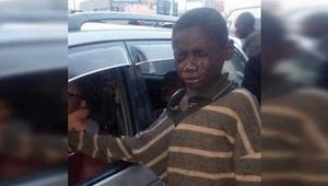 Zbliżył się do samochodu i chciał poprosić o pieniądze, ale na widok kierowcy od