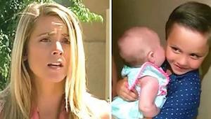 Sąsiadka otwiera drzwi i widzi 5 latka z niemowlęciem w ramionach. Kiedy wyjawił