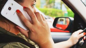 W tym kraju, jeśli złapią Cię na korzystaniu z telefonu komórkowego za kierownic