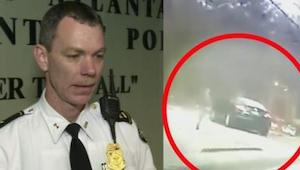 Policjant złapał kontakt wzrokowy z kobietą prowadzącą auto. Kiedy spojrzał na j