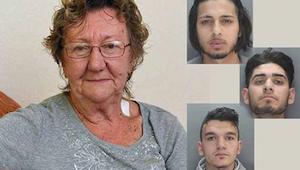 77-latka wypłacała pieniądze z bankomatu, kiedy 3 mężczyzn podeszło do niej. Po