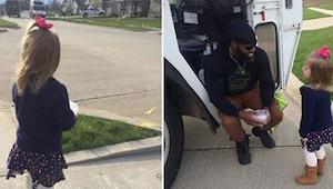 Miejscowy śmieciarz poznał swoją małą fankę, kilka dni później sprawił, że miała