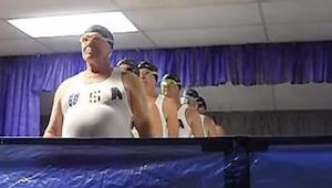 Sekcja seniorów w pływaniu synchronicznym - to nagranie rozbawi Was do łez!