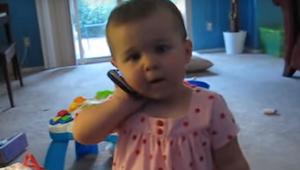 Tatuś chciał usłyszeć głos swojej małej córeczki. Ich konwersacja rozbawiła mili