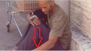 To, co ten nieszczęsny człowiek zrobił dla szczeniaczków swojej suni, jest godne