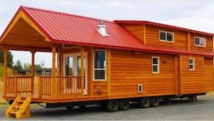 Drewniany domek ma tylko 60 metrów kwadratowych, ale gdy zobaczyłam go od środka