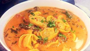 Ta gęsta i aromatyczna zupa jest uzależniająca! Cała moja rodzina ją uwielbia!