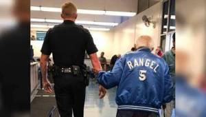 Pracownicy banku wyprosili 92-latka. Wrócił z policjantem pod rękę!
