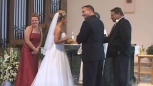 Jak to możliwe, że w czasie mszy ślubnej ich świadek skradł uwagę wszystkich? Pr