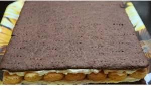 Ciasto czekoladowo - rumowe to idealna propozycja na chłodną jesień! Rozgrzewa w