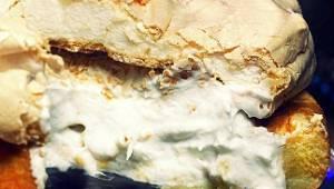To ciasto skradnie Wasze serca! Kokos, beza i biszkopty - ten smak Cię zaskoczy!