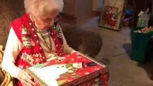 To najbardziej wzruszająca reakcja na świąteczny prezent, jaką kiedykolwiek widz