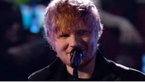 Gdy na scenie pojawił się skromny i jak zwykle nieśmiało uśmiechnięty Ed Sheeran