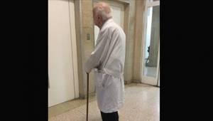 91-latek codziennie przychodzi do szpitala. Powód poruszył wszystkich internautó