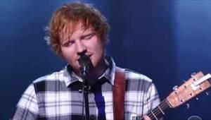 Ed Sheeran zaśpiewał piosenkę innej gwiazdy i... zachwycił publiczność.