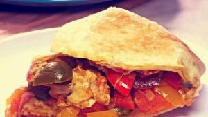 Takiej zpiekanki jeszcze nie jedliście! Chrupiąca tortilla, kurczak i pyszne war
