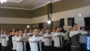 Pan młody poprosił swoich gości by wspólnie zatańczyli tradycyjny irlandzki tani