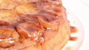 Włóż do formy tych kilka składników, a ciasto samo się upiecze! To najlepszy des