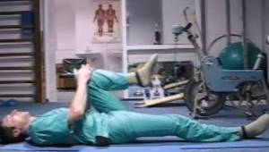Chirurg pokazał kilka prostych ćwiczeń, które pozwalają uniknąć poważnych operac
