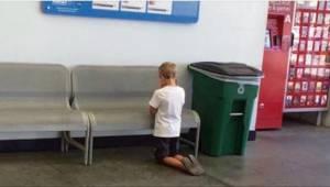 Matka znalazła swojego synka modlącego się w supermarkecie. Potem zobaczyła napi