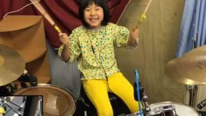 Ośmioletnia dziewczynka zachwyciła Roberta Planta idealnie grając piosenkę Led Z
