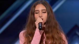 Skromna i piękna 15-latka weszła na scenę, chwilę później jurorzy nie mogli uwie