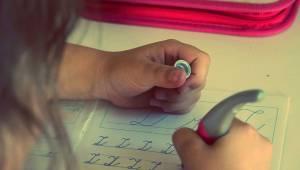 Emerytowana nauczycielka postanowiła rozprawić się ze współczesnymi rodzicami.