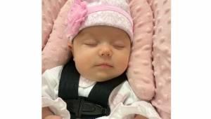 3-tygodniowe dziecko robi się sine po 2 godzinach podróży w foteliku samochodowy