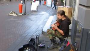 Gitarzysta zaczął grać na ulicy, gdy skończył byłam w szoku z wrażenia!