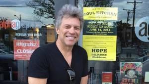 Jon Bon Jovi otworzył dwie restauracje w których potrzebujący mogą za darmo naje