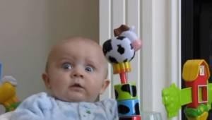 Mama wysmarkała nos, gdy zobaczysz reakcję tego dziecka bardzo się uśmiechniesz