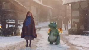 Ta świąteczna reklama pokazująca przygody małej dziewczynki i jej smoka poruszy