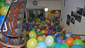 Poproszono ich by weszli do pokoju wypełnionego balonami, nie myśleli że dostaną
